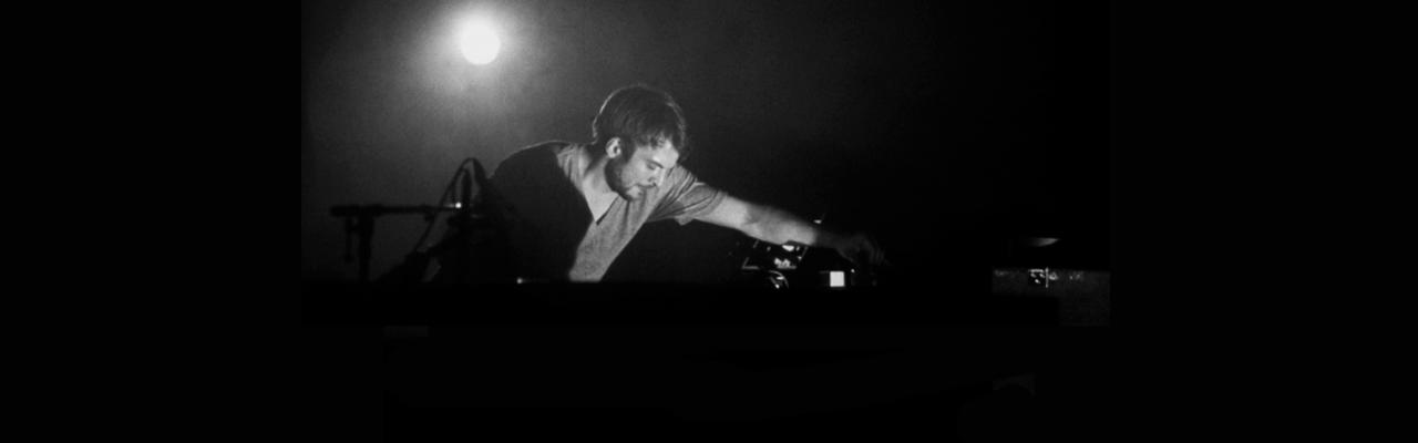 [MUSIC] Nils Frahm - Says